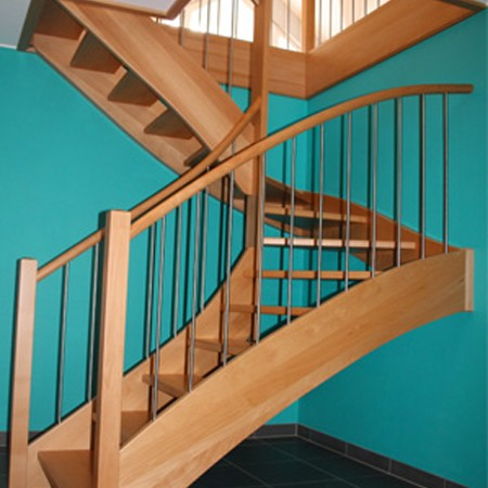 menuiserie-heusbourg-escalier-bleu